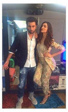 Ranbir Kapoor and Deepika Padukone Bollywood Outfits, Bollywood Couples, Bollywood Stars, Bollywood Fashion, Bollywood Images, Indian Celebrities, Bollywood Celebrities, Bollywood Actress, Ranveer Singh