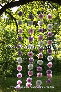 Hochzeitsgirlanden - Seidenpapier Pompom Girlande - Hochzeit dekoration - ein Designerstück von PomPomsTeam bei DaWanda
