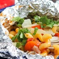Looking for a fun way to add some oomph to end-of-summer grilling? Try these 12 fabulous foil pack recipes!