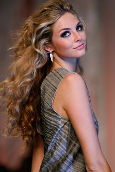 Tamsin Egerton Photos: Fashion For Relief - LFW Spring Summer 2009 - Runway