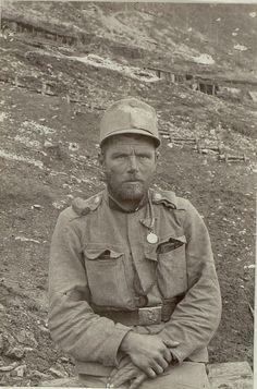 Unterjäger Ludwig Neuhauser, Tiroler Kaiserjäger, 9. Feldkompanie mit der…
