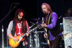 Mike Campbell Tom Petty and the Heartbreakers Mike Campbell, King Bee, John Oates, Daryl Hall, My Tom, Tom Petty, Stevie Nicks, My Crush, Music Bands