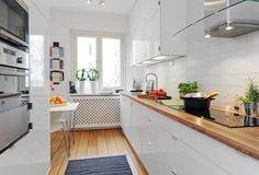 Cozinha com móveis brancos... - * Decoração e Invenção *