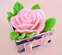 rosas do marrocos . moroccan roses #sabonete #soap #flower #rose Soap Gifts, Candle Making Business, Soap Carving, Soap Packaging, Soap Molds, Home Made Soap, Handmade Soaps, Diy And Crafts, Candles