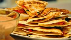 Przekąski sylwestrowe Pepperoni, Tacos, Mexican, Ethnic Recipes, Food, Impreza, Essen, Meals, Yemek