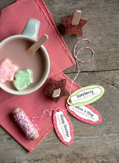 DIY Hot Chocolate On A Stick -- My Own Ideas Blog #recipe #drink #homemade #holiday #gift