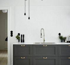 Y por qué no gris?? #MueblesDeCocina #MueblesDeMadera #cocinasEspeciales #CocinasMadrid