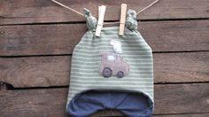 """Weiteres - Zipfelmütze """"Kleiner, brauner Traktor"""" , moos - ein Designerstück von -CALLiS- bei DaWanda"""