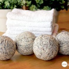 DIY> Wool Dryer Balls save you money, energy and time by cutting the dryer's drying time and by eliminating the need to buy softeners. When you use 4 balls in your dryer, you can cut your dryer time by Homemade Cleaning Products, Natural Cleaning Products, Cleaning Tips, Cleaning Recipes, Cleaning Solutions, Cleaning Supplies, Cleaning Schedules, Laundry Drying, Laundry Tips
