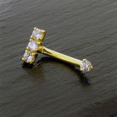 Piercing Arcade Or 18K barre triple Cristal griffée https://piercing-pure.fr/p/479-piercing-arcade-or-18k-barre-triple-cristal-griffee.html #piercing #piercingarcade #piercingeyebrow #gold #or #piercinggold #piercingor #piercingarcadeor