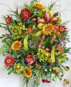 ۞ Welcoming Wreaths ۞ DIY home decor wreath ideas - Sunflower Meadow wreath Wreaths For Sale, Fall Wreaths, Wreaths For Front Door, How To Make Wreaths, Door Wreaths, Burlap Wreaths, Twig Wreath, Wreath Crafts, Tulle Wreath
