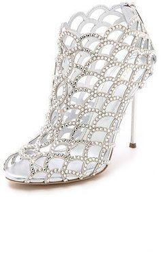 """Pin for Later: Cinderella wäre auf diese Schuhe ganz schön neidisch  Sergio Rossi """"Mermaid"""" Cage Booties (1.795 €)"""