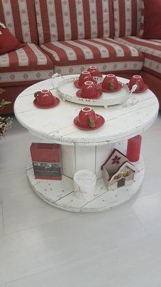 Tavolino realizzato usando una bobina per cavi elettrici.Per info contattatemi
