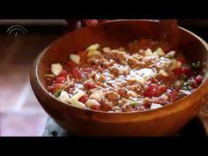 Biblioteca de la Gastronomía Andaluza: Pipirrana, receta típica de la provincia de Jaén - YouTube Drinking Around The World, Chili, Oatmeal, Soup, Eat, Cooking, Breakfast, Youtube, Gastronomia