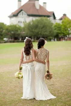 I think this would be a cute photo idea to take for bride and maid of honor...