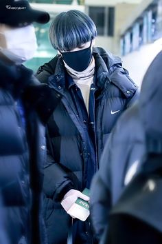 Được nhúng Young And Rich, Kim Yugyeom, Line S, Got7, Rapper, Winter Jackets, Leather Jacket, Fashion, Winter Coats