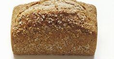 Pane casereccio integrale fatto con la macchina del pane
