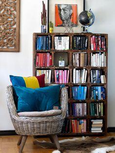 Libros colocados en degradé