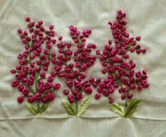 french knots in embroidery Embroidery On Kurtis, Hand Embroidery Dress, Kurti Embroidery Design, Hand Embroidery Videos, Embroidery On Clothes, Embroidery Works, Flower Embroidery Designs, Simple Embroidery, Silk Ribbon Embroidery