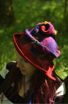 Chapeau de couture couvre-chefs spirale - Sparkle escargot - feutrée à la main, à la main, teintée, fait main - FAIT sur COMMANDE - merino laine et polaire boucles - rouge violet