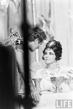 Elizabeth Taylor and Richard Burton in Cleopatra 1962