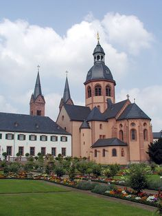 Seligenstadt 2002 -Kloster Seligenstadt- Basilika St. Marcellinus und Petrus by-RaBoe 06.jpg