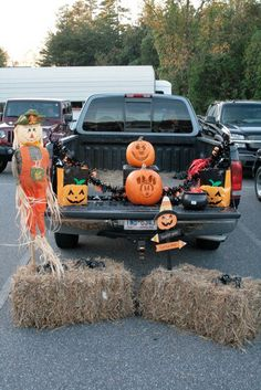 Hay and Scarecrow Trunk or Treat - 15 Thrifty Trunk or Treat Decorating Ideas