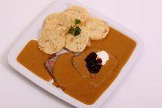 Hummus, Pancakes, Meat, Breakfast, Ethnic Recipes, Food, Morning Coffee, Essen, Pancake