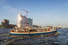 Der 826. Hafengeburtstag von Hamburg // #Hamburg #HamburgerHafen #Hafengeburtstag #Hafen #Schiffe / gepinnt von www.MeerART.de