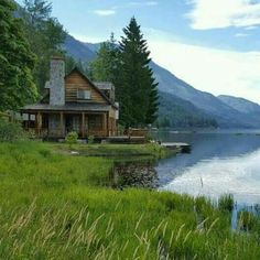 Lake Cabins, Cabins And Cottages, Beautiful Homes, Beautiful Places, Little Cabin, Log Cabin Homes, Cabins In The Woods, My Dream Home, Beautiful Landscapes