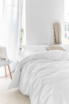 Dream Bedroom, Home Bedroom, Contemporary Bed Linen, Bedroom Inspo, Beautiful Bedrooms, Hygge, Interior Design Living Room, Beautiful Interior Design, Home And Living