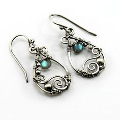 Labradorite and sterling silver earrings par DreamingTreesJewelry, $36.00