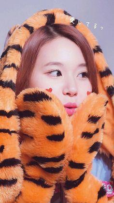 Nayeon, Kpop Girl Groups, Korean Girl Groups, Kpop Girls, Infp, K Pop, Rapper, Twice Group, Twice Album