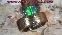 18 Karat Gelbgoldring mit Top GEM Black Crystal Opal 1,52 ct und Top Diamanten 0,10 ct