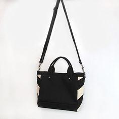 サイドストライプトートSサイズ 取り外し可能なショルダーベルトが付いた2way仕様  他のトートバッグもご希望に応じてショルダーベルト付きにできますのでオーダーのご相談もお気軽にどうぞ  Side stripe tote bag with strap  - - - -  #jiyoh #jiyohbag #jutsubi #designstore #bags #kyoto #madeinkyoto #handcrafted #handmade #handmadebag #craftsmanship #canvasbag #totebag #bagmaker #minimaldesign #ジヨウ #ジュツビ #京都 #帆布 #帆布バッグ #トートバッグ #2wayバッグ #ハンドメイド #デザフェス 2way, With, Bags, Fashion, Handbags, Moda, La Mode, Fasion, Totes