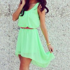 Cute spring dress! Love the belt with it!!