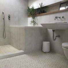 Large Tile Bathroom, Cement Bathroom, Ensuite Bathrooms, Bathroom Floor Tiles, Bathroom Ideas, Yellow Tile, White Tiles, Home Renovation, Home Remodeling