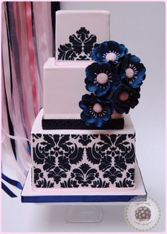 wedding cake, tarta de boda, damask, damasco, navy, sugarcraft, bridal, sugar flowers, flores de azúcar,barcelona, mericakes, anémonas, stencil, fondant, rosa, pink, tartas cuadradas, square cakes.