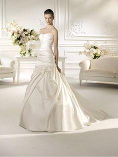 Sale trouwjurken: White One Nauta