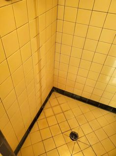 Kit 1 -The Ultimate Bathtub and Shower Cleaner - Cleaner Old Bathtub, Bathtub Shower, Tub Cleaner, Shower Cleaner, Cleaning Solutions, Cleaning Hacks, American Standard Bathtubs, Fiberglass Shower Pan, Homemade Oven Cleaner