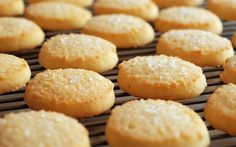 Lemon and Ginger Biscuits / Cookies Sugar Biscuits Recipe, Shortbread Biscuits, Shortbread Recipes, Biscuit Cookies, Biscuit Recipe, Homemade Shortbread, Easy Sugar Cookies, Christmas Sugar Cookies, Breads