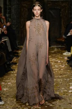 Valentino Spring 2016 Couture Fashion Show