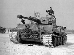 Bären HunGER I learn from life. I study as long as I live. SI had a German weapon technology from WWII MG MP Panzerschreck, Panzerfaust weapon technology from WWII MG Military Photos, Military History, Tank Warfare, Tank Armor, Tiger Ii, Tiger Tank, Ww2 Photos, Samurai, Armored Fighting Vehicle