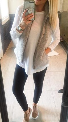 Cute Casual Fall Outfits Combinations 2019 - FriendWishes Outfits 2019 Outfits casual Outfits for moms Outfits for school Outfits for teen girls Outfits for work Outfits with hats Outfits women Simple Fall Outfits, Casual Winter Outfits, Casual Clothes For Women, Women Casual Outfits, Cute Work Outfits, Winter Fashion Casual, Woman Outfits, Casual Dresses, Comfy Casual