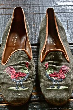 rooster embroidered loafers