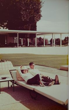 Nancy & Ronald Reagan poolside at Sunnylands