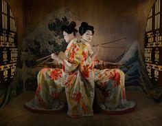 geisha twins