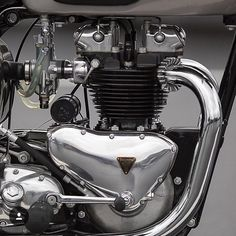 Overbold Motor Co. Motorcycle Engine, Motorcycle Design, Motorcycle Style, Tracker Motorcycle, British Motorcycles, Triumph Motorcycles, Vintage Motorcycles, Triumph Bobber, Triumph Bikes