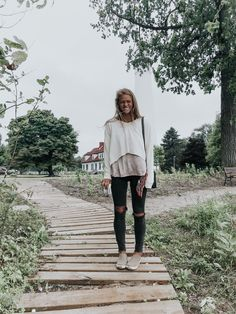 Beautiful outfit idea to copy ♥ For more inspiration join our group Amazing Things ♥ You might also like these related products: - Dresses ->. Fall Winter Outfits, Autumn Winter Fashion, Spring Outfits, Comfy Fall Outfits, Look Fashion, 90s Fashion, Plaid Fashion, Grunge Fashion, Modest Fashion