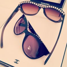 Chanel Spring/Summer 2013: Pearled sunglasses Wouldn't be that hard to do your own